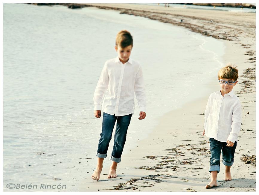 Fotografía familiar en la playa