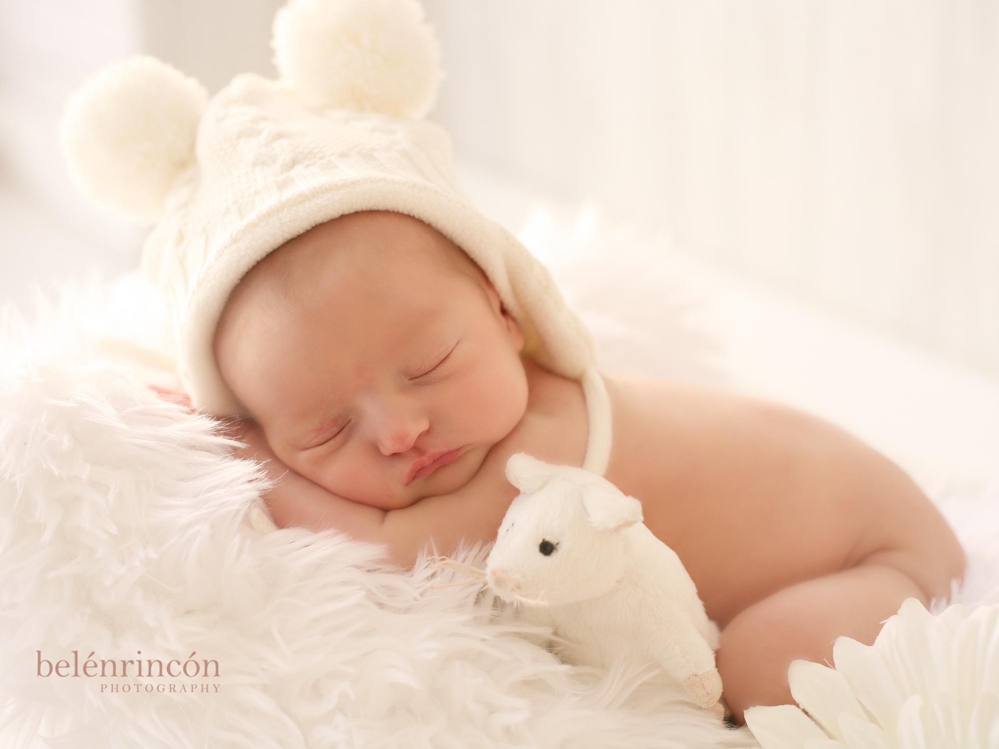 Bebé en sesión recién nacido.